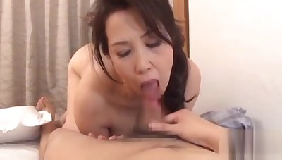 Babe gives hawt titty jerk off