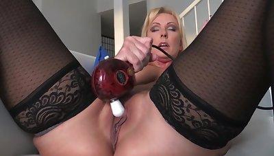 Alysha Kinky Far reaches 3
