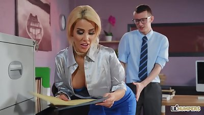 Office Sex Alice Prerogative - Copulated And Focused