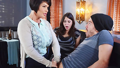 Horny mom make a gift to her wet pussy