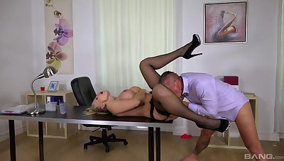 Inked blonde goddess Kayla Green fucked fast in the office