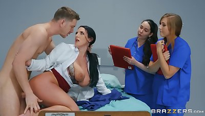 Naked MILF shows younger nurses how to deal with a awe-inspiring detect