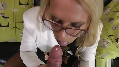 Stockinged english milf blows big dick
