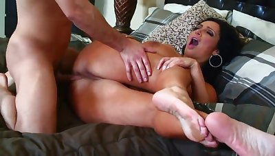 Vannah Sterling MILF hardcore sex video