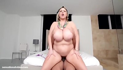 Busty, Blonde Bbw, Samantha Anderson Had Interracial Sex Chum around with annoy Other Day And Even Got A Cumshot