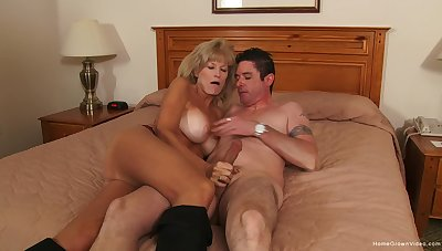 Adult gets her limbs on the tastiest dick she had in ages