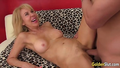 Mature Stunners Taking It Bottomless gulf Compilation