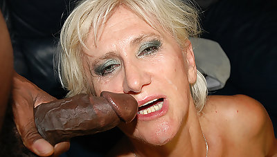 moms sly chubby black cock sex